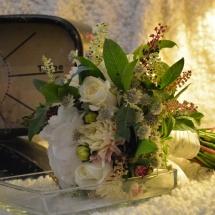 Bouquet de mariée champêtre blanc rose mariage hortensia dahlia - Reflets Fleurs
