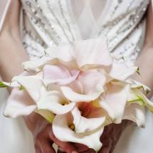 Mariage bouquet de mariée de calla rose poudré - Reflets Fleurs