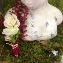 Mariage boutonnière pour homme champêtre rose branchu - Reflets Fleurs
