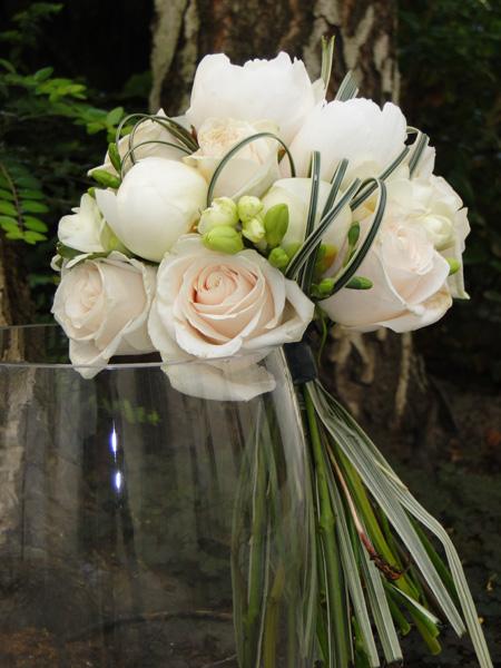 bouquet de marie blanc bouquet marie vert tenue fleurs blanches photo libre de droits with. Black Bedroom Furniture Sets. Home Design Ideas