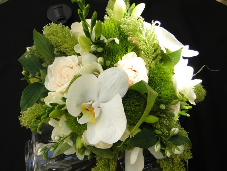 Bouquet de mariee rond blanc et vert - Bouquet mariee orchidee ...