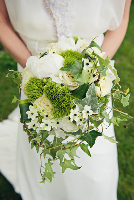 Pin bouquet rond romantique on pinterest for Bouquet de fleurs vertes