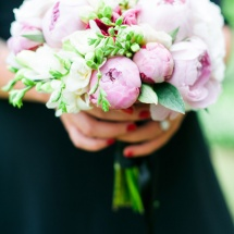 Bouquet mariée Reflets Fleurs pivoines blanches et roses mariage