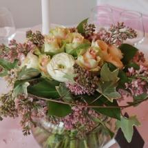 Centre table bouquet champêtre lila mariage - Reflets Fleurs