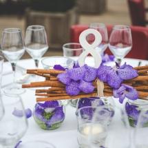Centre table cannelle orchidée vanda mauve bleu mariage - Reflets Fleurs