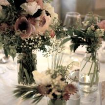 Centre table champêtre blanc rose mariage - Reflets Fleurs