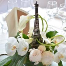 Centre table tour eiffel orchidée mariage - Reflets Fleurs