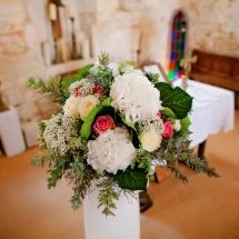 Cérémonie décoration autel vase champêtre - Reflets Fleurs mariage