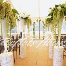 Cérémonie hortensia blanc vert amaranthe arche fleurs - Reflets Fleurs mariage