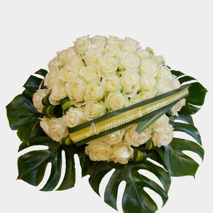 Reflets de la Paix est coussin de roses blanches signée Reflets Fleurs. Livraison dans la journée.
