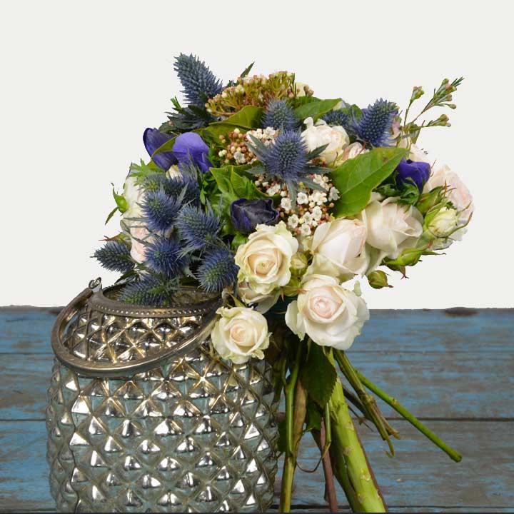 Nuances de bleu, bouquet signé Reflets fleurs, livraison dans la journée