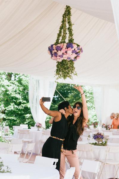 Alice et laetitia prise en selfie, team reflets fleurs mariage, fleuriste pour votre mariage Paris-france
