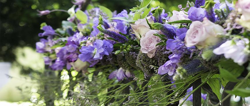 mariage-alex-yann-un-mariage-mauve-reflets-fleurs-photo-cecile-muzard