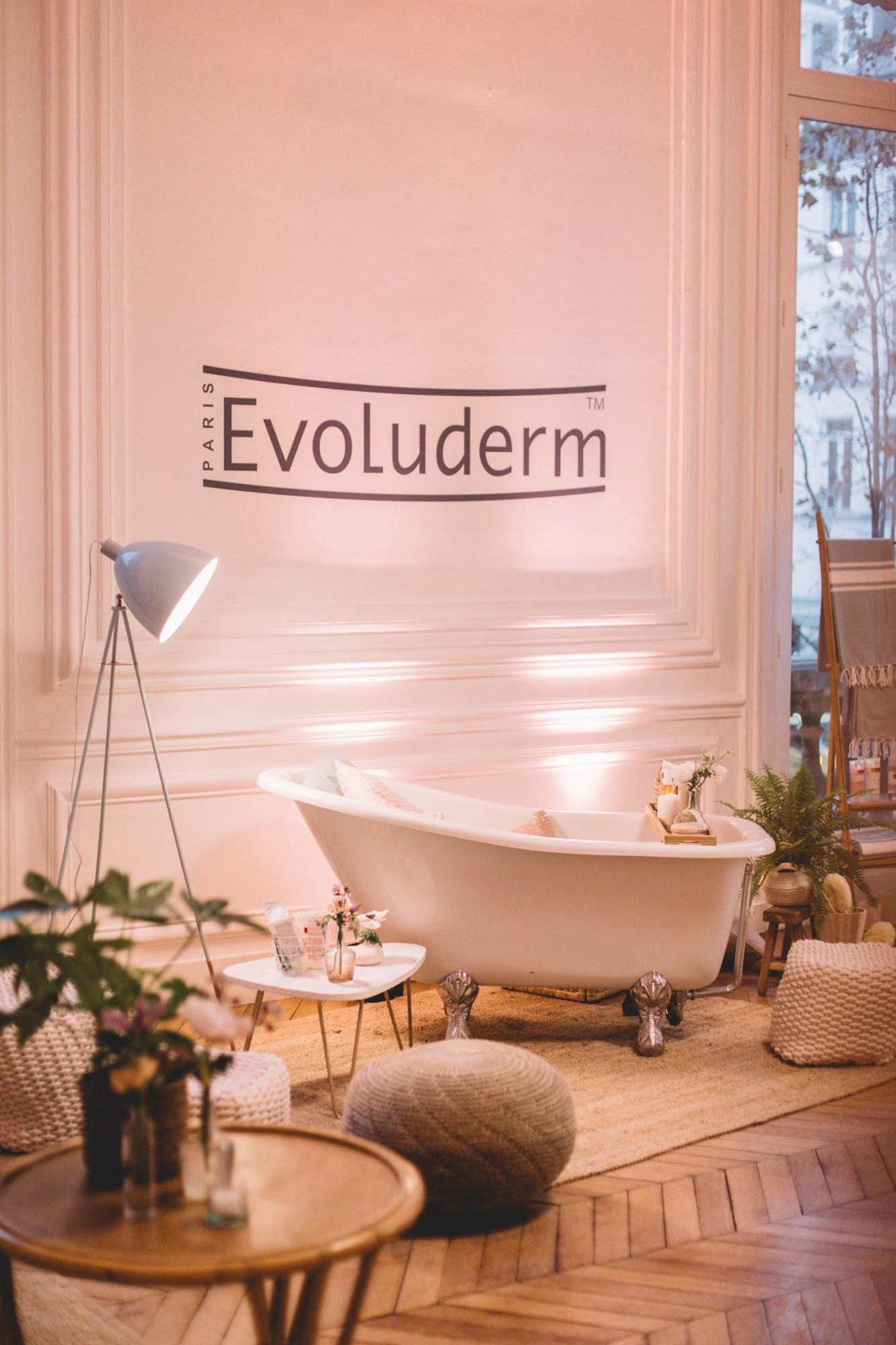 Reflets Fleurs - Scénographe floral - Fleuriste évènements Paris - Soirée influenceurs Evoluderm