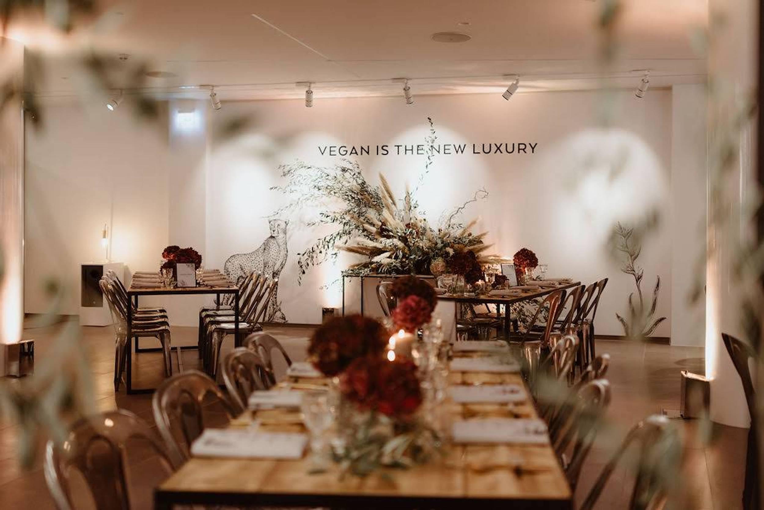 refletfleurs-fleuriste-scenographie-event-corporate-diner-influenceurs-presse-paris-17