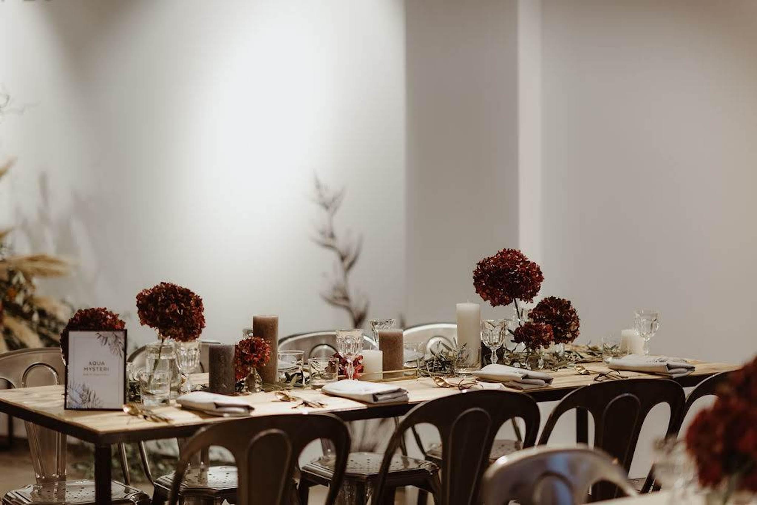 refletfleurs-fleuriste-scenographie-event-corporate-diner-influenceurs-presse-paris-3