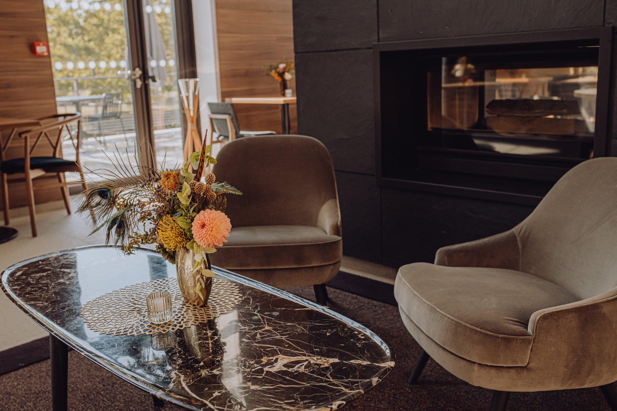 refletfleurs-fleuriste-scenographie-inauguration-hotel-domaine-les-vanneaux-paris14